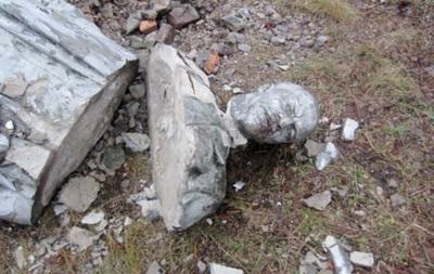 На Черкащине неизвестные разрушили памятник Ленину