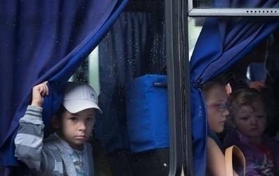 Из Красногоровки и Марьинки на Донбассе эвакуируют детей
