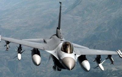 10 человек стали жертвами крушения истребителя на базе НАТО в Испании