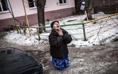 В Углегорске идут ожесточенные бои, в Дебальцево погибли 12 мирных жителей