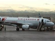 В Канаде самолет попал в мощный турбулентный поток: десятки пострадавших
