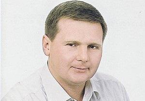 СМИ: Милиция объявила в розыск чиновника, раздававшего исторические земли Киева на $200 млн