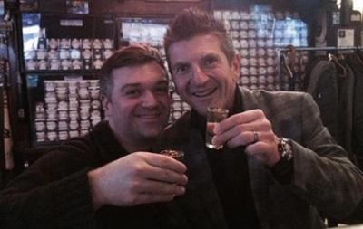NHL дисквалифицировала судью, выпивавшего с блогером