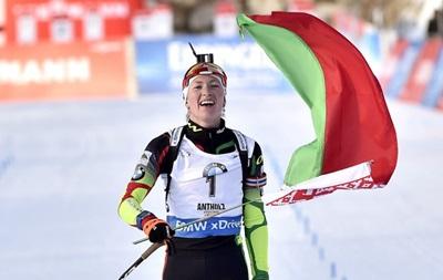 Биатлон: Домрачева выиграла гонку преследования, Джима и Семеренко вошли в