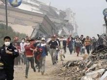 Количество жертв в Китае приближается к 29 тыс. Появилась угроза наводнения