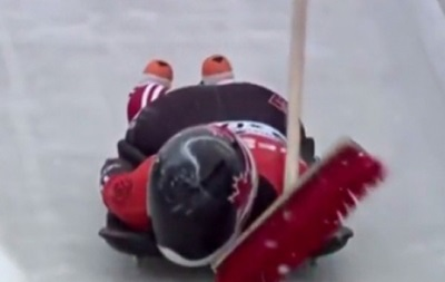 Канадская скелетонистка врезалась в забытую на трассе щетку