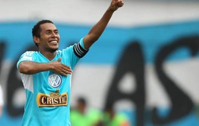 В чемпионате Чили игрок забил красивый гол прямым ударом с углового