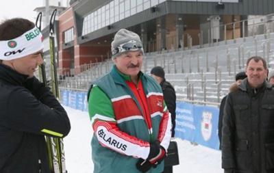 Лукашенко запретил спортсменам тренироваться за границей