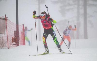 Биатлон: Домрачева побеждает, украинка Бондарь удивляет скоростью