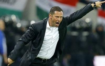 Главный тренер немецкого клуба разрешил футболистам курить