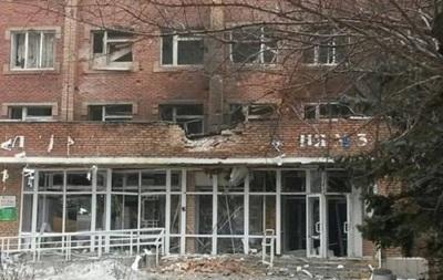 В Дебальцево при обстреле разрушено здание горотдела милиции