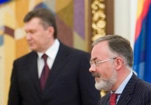 Янукович раскритиковал Табачника и Герман
