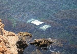 В Крыму женщина на автомобиле с обрыва слетела в море