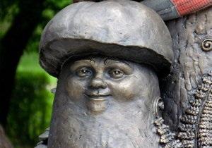 Новости России - странные новости: В России установили памятник грибу с глазами
