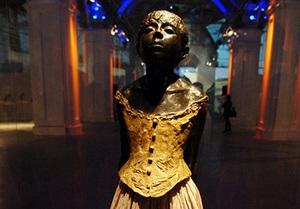Фотогалерея: Фигура, замри. В Киеве открылся Большой скульптурный салон-2011