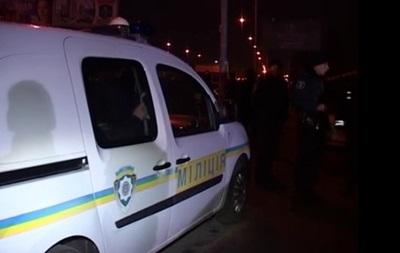 В Киеве мужчина с ножом напал на двух милиционеров