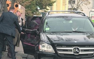 Пять машин и вилла под Киевом. Как живет Валерия Гонтарева