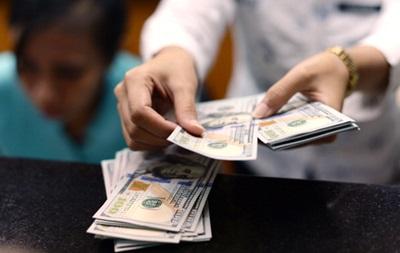 Доллар на  черном  рынке начал дешеветь
