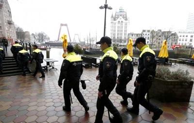 Голландская полиция задержала 83 болельщиков Ромы