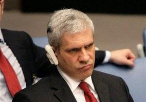 Президент Сербии получил травму, играя в баскетбол
