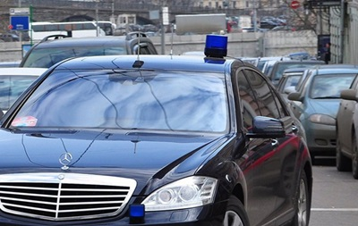 В Украине хотят повысить штрафы за  мигалки  на машинах