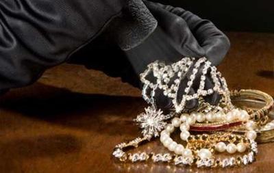 Под Житомиром ограбили ювелирный магазин на два млн гривен
