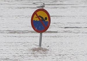 Азаров - новости Житомирской области - паводок - наводнение - Азаров выехал в Житомирскую область на место паводка