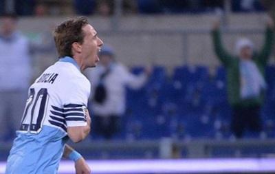 Лацио разгромно победил Фиорентину на Стадио Олимпико