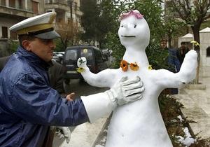 Жительница Британии позвонила в службу спасения, обнаружив пропажу снеговика