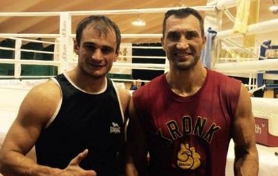 Владимиру Кличко готовиться к бою с Дженнингсом поможет украинский боксер