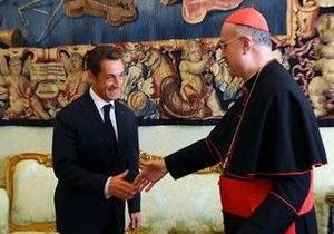 Президент Франции и Папа Римский обсудили проблему цыган