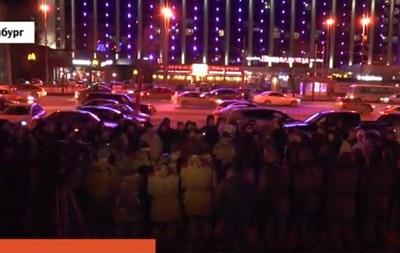 Укреплять перемирие. Из Екатеринбурга отправили  добровольцев  на Донбасс
