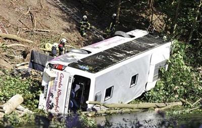 В Бразиии автобус с туристами упал в обрыв, погибли десятки людей
