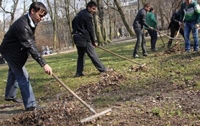 Кличко попросит столичных предпринимателей убрать мусор в городе