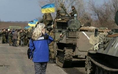 Обстрелы на Донбассе уменьшаются – штаб АТО