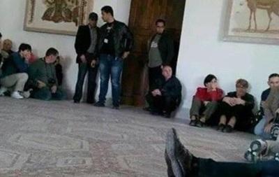В Тунисе около 40 европейских туристов взяты в заложники – СМИ