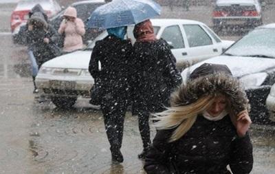 Завтра в Украине выпадет мокрый снег