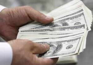 За последний год зарплаты украинских гастарбайтеров в РФ уменьшились на 10%
