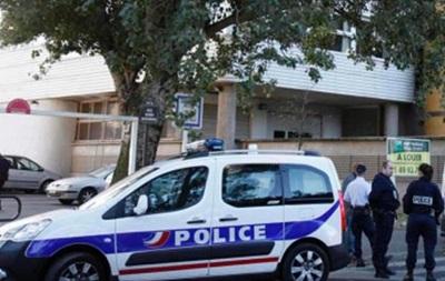 Полиция Франции обнаружила в жилом доме пятерых замороженных младенцев