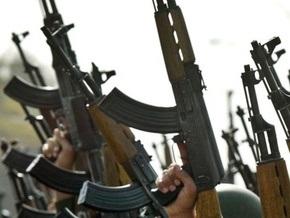 СМИ: Родственника высокопоставленного чиновника из Закарпатья задержали с арсеналом оружия