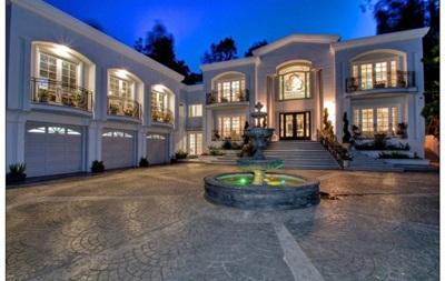 Пакьяо перед боем с Мейвезером купил себе шикарный дом в Беверли-Хиллз