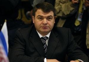 Следственный комитет РФ провел обыски в коттеджах, где жили Сердюков и другие высшие чиновники Минобороны