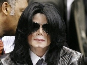 Майкл Джексон стал мусульманином и сменил имя