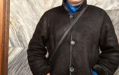 Киевлянин украл планшет и сделал на него селфи возле милиции