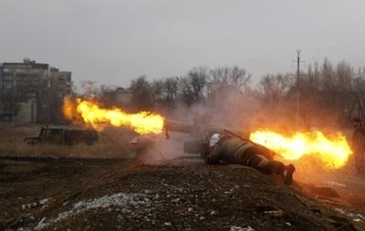 """Сутки в АТО: фиксируются обстрелы из """"Града"""" на Луганском направлении"""