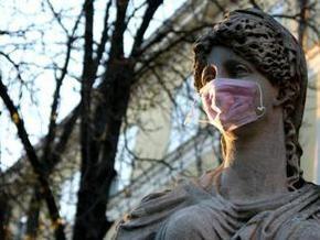 Во Львове на богиню Диану надели защитную маску