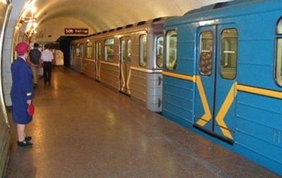 В Киеве на станции метро Шулявская не работает эскалатор на спуск
