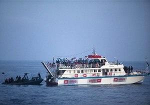 Израильские военные задержали 480 человек с флотилии правозащитников