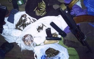 СБУ нашла тайник с боеприпасами и оружием в Донецкой области