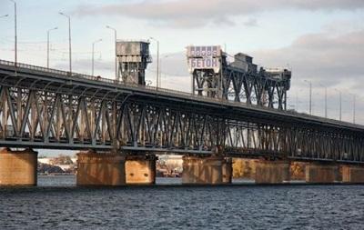 В Херсоне на мосту пытались установить флаг  Новороссии